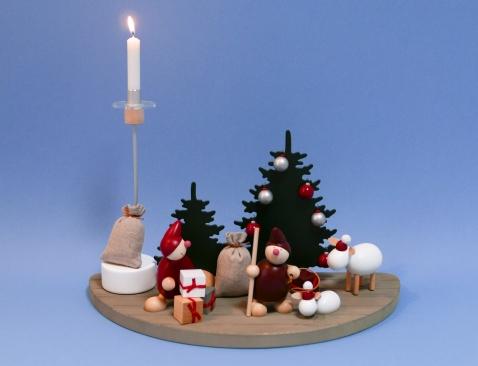 Kerzenhalter, Wicht (uno) mit Pakten (rot), Räucherbachofen und Wicht mit Lasso (rot) mit stehendem Schaf (ca. 11 cm hoch)