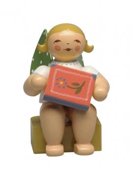 Kalenderfigur 2020, Engel mit MärchenbuchKalenderfigur 2020, Engel mit Märchenbuch